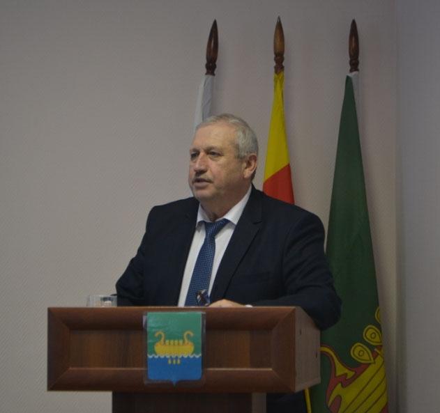 Депутаты вновь избрали Баранника главой Андреапольского района