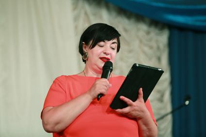 Ведущая концертов фестиваля Наталья Морозова