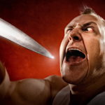 В Осташкове 70-летний пенсионер ударил ножом в живот племянника